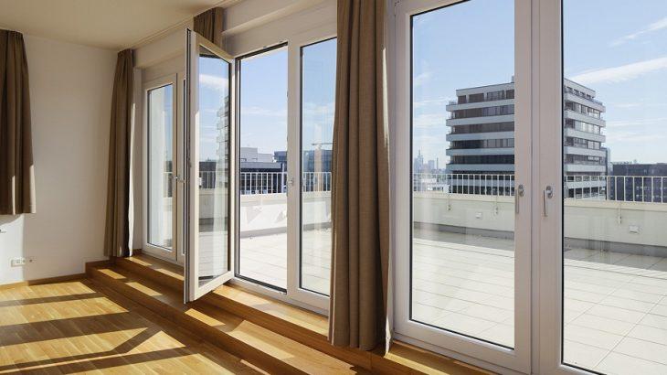 Faire appel à un spécialiste pour des portes et fenêtres sur mesure