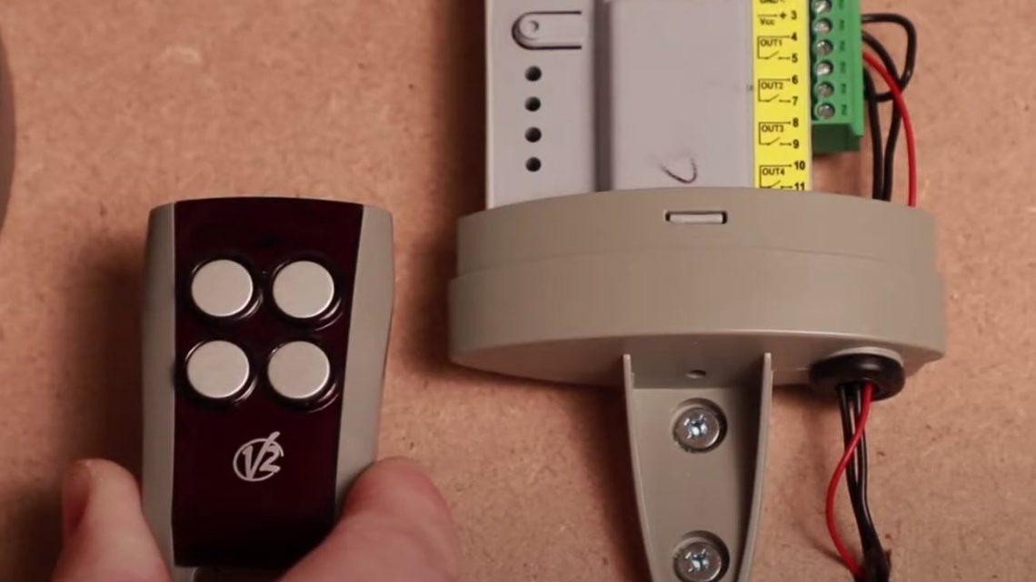 La télécommande V2 PHOENIX CONTRAT 47 4CH est un appareil de qualité disponible à un prix abordable