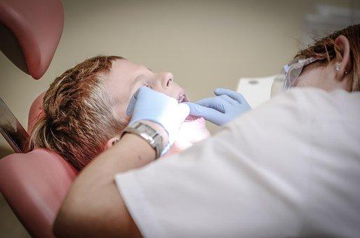 Quels sont les pré-requis pour lancer une activité de dentiste à Lausanne ?