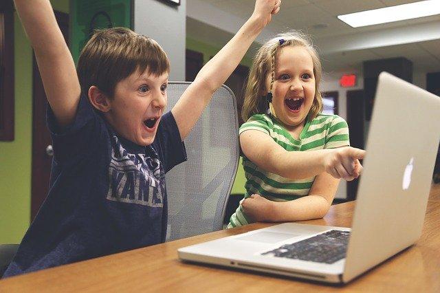 Jouer à des jeux vidéo en ligne : La solution ultime contre l'ennui