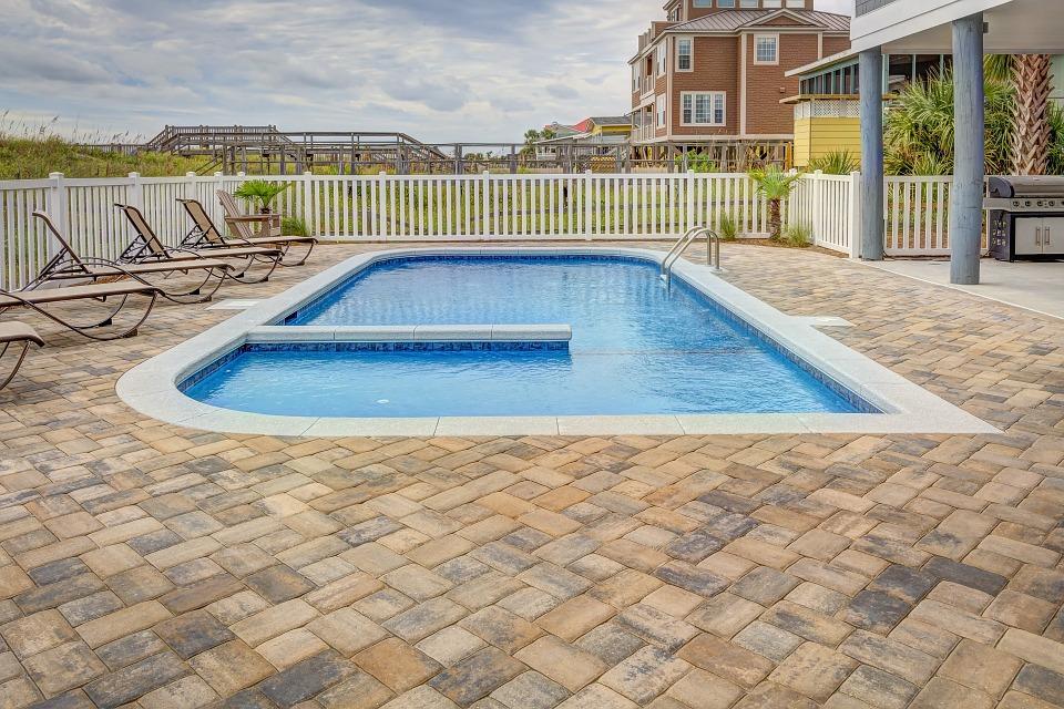 Pourquoi faire construire sa piscine par un professionnel à Biarritz ?